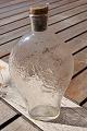 Lommelærke jagtflaske i matteret glas med dekorationer